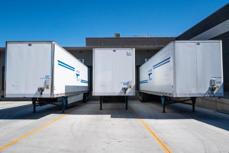 Mi a különbség a szállítólevelezés és számlás bevételezés között?