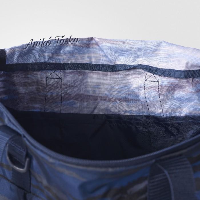 Adidas kis sporttáska kék terep mintás